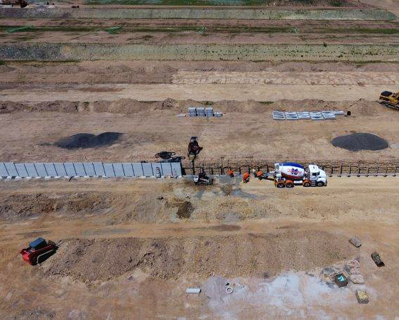 narangba overhead view of concrete retaining wall installation project